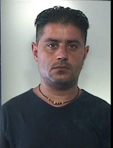 Due arresti per droga scicli for Arresti a poggiomarino per droga