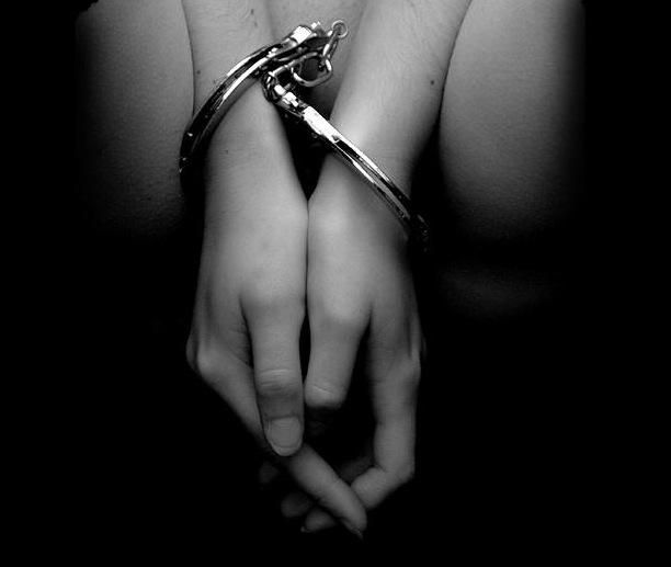 30 мая 2012. Несовершеннолетняя воровка отделалась штрафом.