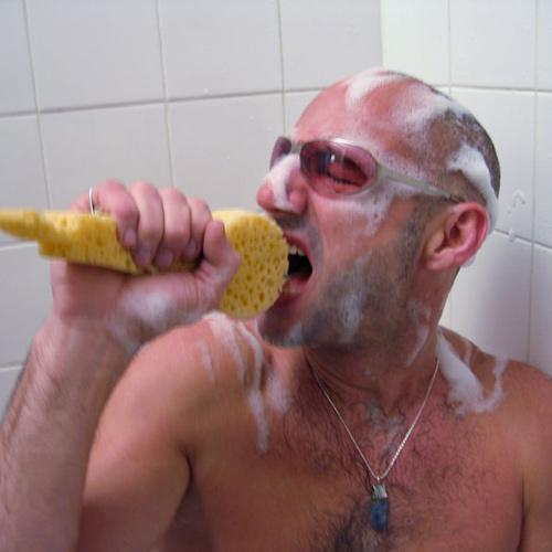 Amore, cè un ladro sotto la doccia! - Cronaca Ragusa