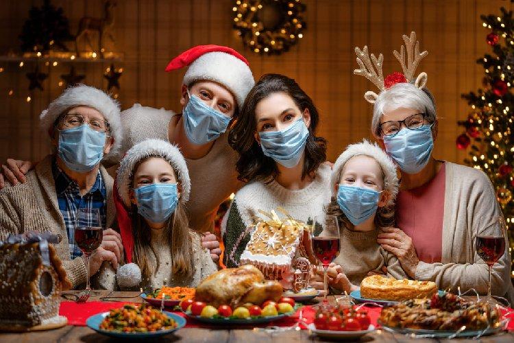 Pranzo e cena di Natale: le 5 raccomandazioni per sedersi ...