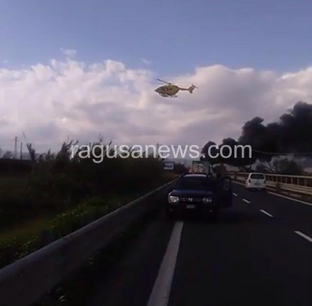 Home › Cronaca › Scontro sulla Catania-Ragusa Tir prende fuoco, un morto