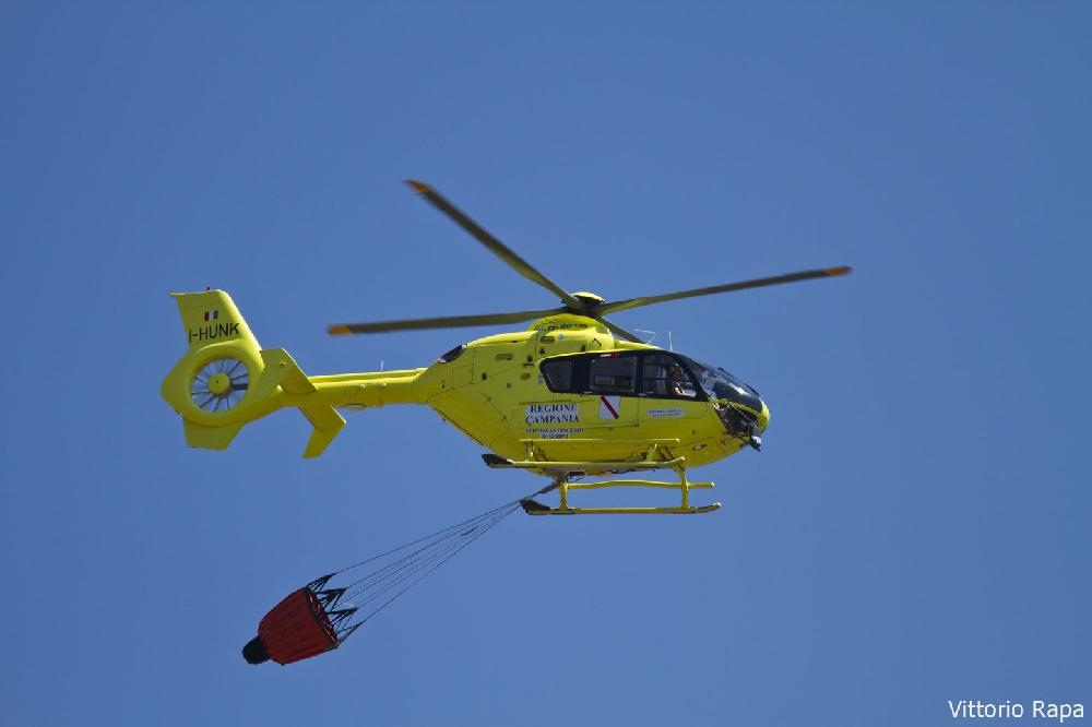 Elicottero E Libellula : Ragusa tre incendi elicotteri in azione cronaca