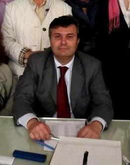 https://www.ragusanews.com/resizer/resize.php?url=https://www.ragusanews.com//immagini_articoli/01-04-2015/1427917123-0-caruso-lascia-il-consiglio.jpg&size=395x500c0