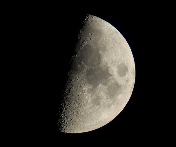 https://www.ragusanews.com/resizer/resize.php?url=https://www.ragusanews.com//immagini_articoli/01-05-2015/1430432319-0-la-luna-di-maggio-a-chiaramonte.jpg&size=598x500c0