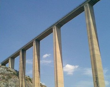 https://www.ragusanews.com/resizer/resize.php?url=https://www.ragusanews.com//immagini_articoli/01-06-2014/1401619565-il-ponte-guerrieri-chiuso-dal-15-giugno.jpg&size=630x500c0