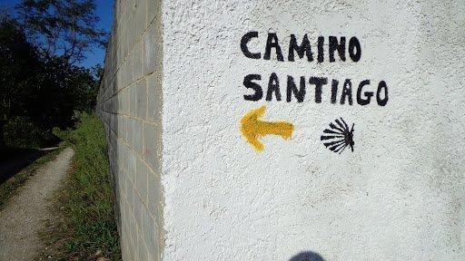 https://www.ragusanews.com/resizer/resize.php?url=https://www.ragusanews.com//immagini_articoli/02-10-2015/1443737292-2-santiago-io-cammino-e-penso-a-te.jpg&size=889x500c0