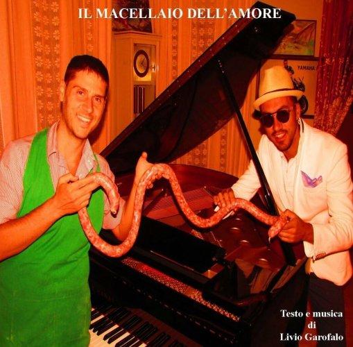 https://www.ragusanews.com/resizer/resize.php?url=https://www.ragusanews.com//immagini_articoli/02-10-2015/1443805189-1-musicista-goliarda-macellaio-dell-amore.jpg&size=509x500c0