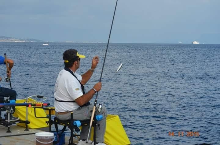 https://www.ragusanews.com/resizer/resize.php?url=https://www.ragusanews.com//immagini_articoli/02-12-2015/1449056853-0-canna-da-pesca-sportiva-al-porto.jpg&size=756x500c0
