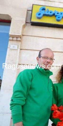 https://www.ragusanews.com/resizer/resize.php?url=https://www.ragusanews.com//immagini_articoli/03-03-2019/1551602566-1-colto-malore-muore-incidente-stradale-pozzallo.jpg&size=250x500c0