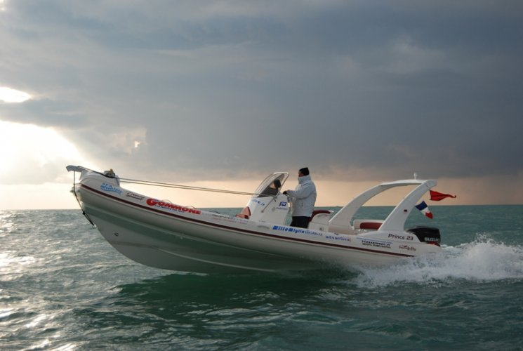 https://www.ragusanews.com/resizer/resize.php?url=https://www.ragusanews.com//immagini_articoli/03-06-2014/1401790885-bracco-a-marina-di-ragusa-sulle-rotte-della-speranza.jpg&size=745x500c0