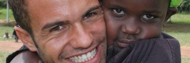https://www.ragusanews.com/resizer/resize.php?url=https://www.ragusanews.com//immagini_articoli/03-06-2015/1433319608-0-andrea-caschetto-il-giro-del-mondo-per-orfanotrofi.jpg&size=1505x500c0