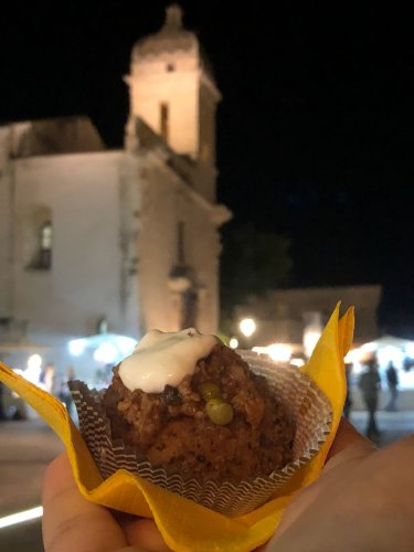 https://www.ragusanews.com/resizer/resize.php?url=https://www.ragusanews.com//immagini_articoli/03-09-2018/1535964691-1-elegante-street-food-ibla-piaciuto-molto.jpg&size=375x500c0