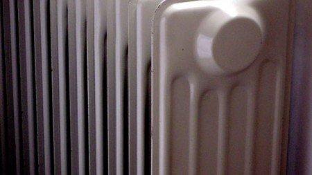 https://www.ragusanews.com/resizer/resize.php?url=https://www.ragusanews.com//immagini_articoli/03-12-2012/1396121332-il-commissario-scarso-accende-i-riscaldamenti-nelle-scuole.jpg&size=889x500c0