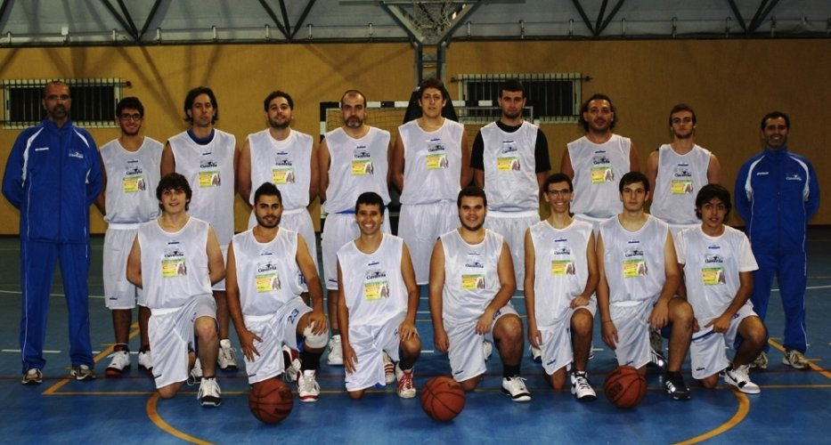 https://www.ragusanews.com/resizer/resize.php?url=https://www.ragusanews.com//immagini_articoli/03-12-2012/1396121333-seconda-vittoria-della-ciavorella-basket.jpg&size=933x500c0