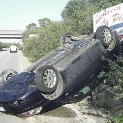 https://www.ragusanews.com/resizer/resize.php?url=https://www.ragusanews.com//immagini_articoli/04-01-2015/1420378082-0-rocambolesco-incidente-donna-viva-per-miracolo.jpg&size=500x500c0