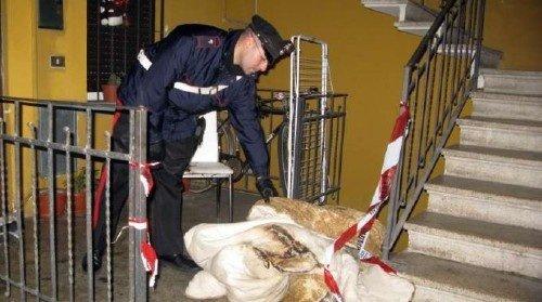 https://www.ragusanews.com/resizer/resize.php?url=https://www.ragusanews.com//immagini_articoli/04-02-2012/1396122678-raffaele-fratantonio-da-fuoco-alla-convivente-lei-muore.jpg&size=896x500c0