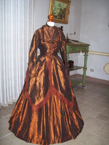 https://www.ragusanews.com/resizer/resize.php?url=https://www.ragusanews.com//immagini_articoli/04-02-2016/1454622543-1-in-vendita-il-castello-aragonese-di-comiso.jpg&size=375x500c0