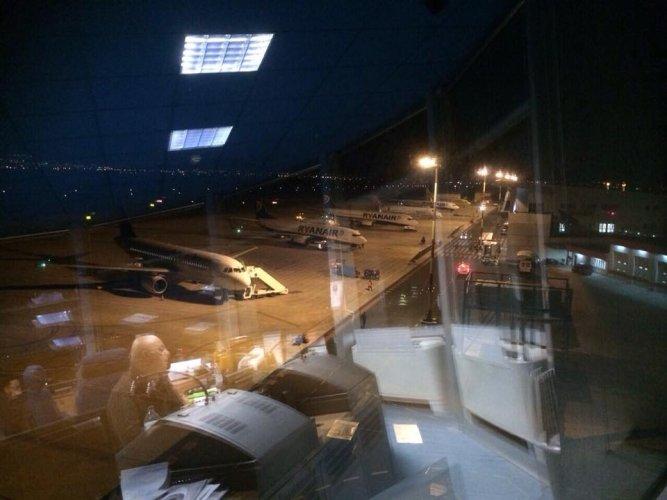 https://www.ragusanews.com/resizer/resize.php?url=https://www.ragusanews.com//immagini_articoli/04-05-2015/1430756188-0-aeroporto-comiso-a-ue-bando-per-incentivar-nuove-rotte.jpg&size=667x500c0