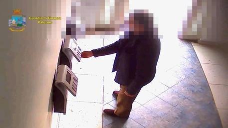 https://www.ragusanews.com/resizer/resize.php?url=https://www.ragusanews.com//immagini_articoli/04-12-2020/1607066109--news-ragusa.jpg&size=889x500c0