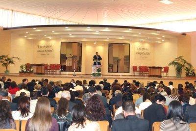 https://www.ragusanews.com/resizer/resize.php?url=https://www.ragusanews.com//immagini_articoli/05-07-2016/1467742542-0-assemblea-dei-testimoni-di-geova.jpg&size=749x500c0