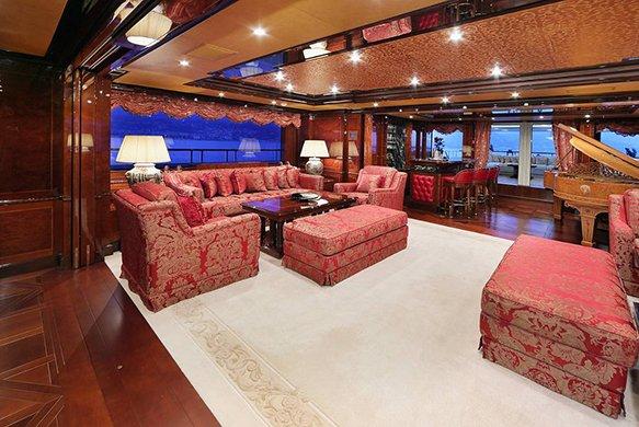 https://www.ragusanews.com/resizer/resize.php?url=https://www.ragusanews.com//immagini_articoli/05-08-2016/1470388812-1-ulysses-lo-yacht-da-sogno-vola-da-costa-di-carro-a-marina.jpg&size=747x500c0