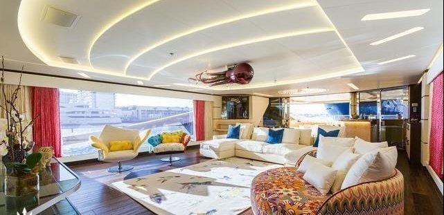 https://www.ragusanews.com/resizer/resize.php?url=https://www.ragusanews.com//immagini_articoli/05-09-2017/1504608774-2-ortigia-arrivato-yacht-doro-chiama-khalilah-foto.png&size=1031x500c0