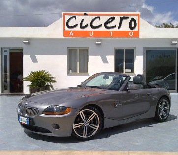 https://www.ragusanews.com/resizer/resize.php?url=https://www.ragusanews.com//immagini_articoli/05-10-2010/1396125533-bmw-z4-25i-roadster-hard-top-a-14900-euro.jpg&size=575x500c0