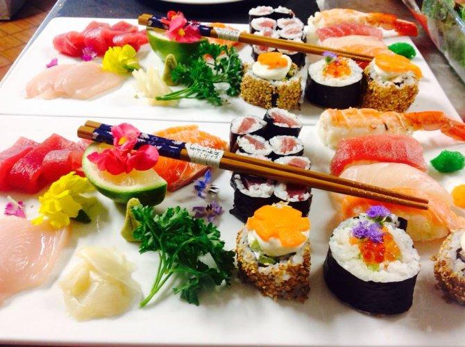 https://www.ragusanews.com/resizer/resize.php?url=https://www.ragusanews.com//immagini_articoli/05-12-2015/1449324817-0-chi-sushi-a-al-galu.jpg&size=670x500c0