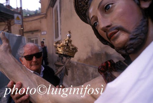 https://www.ragusanews.com/resizer/resize.php?url=https://www.ragusanews.com//immagini_articoli/06-04-2015/1428318488-0-il-cristo-risorto-festa-di-primavera.jpg&size=737x500c0
