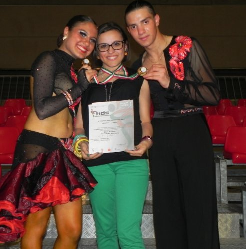 https://www.ragusanews.com/resizer/resize.php?url=https://www.ragusanews.com//immagini_articoli/06-06-2012/1396122040-rimini-i-risultati-della-new-fashion-dance.jpg&size=493x500c0