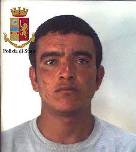 https://www.ragusanews.com/resizer/resize.php?url=https://www.ragusanews.com//immagini_articoli/06-09-2018/1536217345-2-spacciatori-spiaggia-cinque-arresti.jpg&size=449x500c0