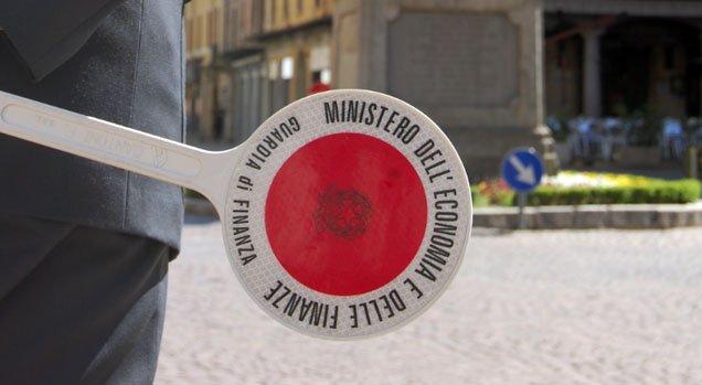 https://www.ragusanews.com/resizer/resize.php?url=https://www.ragusanews.com//immagini_articoli/06-10-2015/1444115693-0-tariffe-2014-una-multa-di-232-mila-euro-al-comune-di-scicli.jpg&size=911x500c0