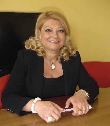 https://www.ragusanews.com/resizer/resize.php?url=https://www.ragusanews.com//immagini_articoli/07-01-2014/1396118312-elisa-marino-presidente-della-commissione-trasparenza.jpg&size=434x500c0