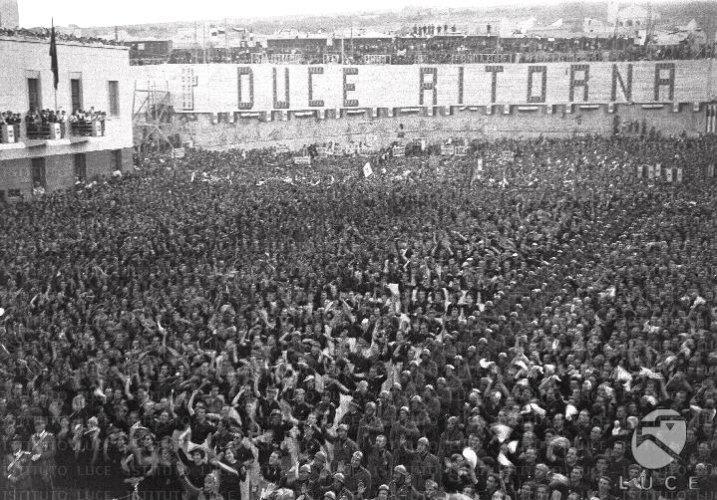 https://www.ragusanews.com/resizer/resize.php?url=https://www.ragusanews.com//immagini_articoli/07-01-2015/1420623220-0-non-si-parte-e-schembari-chiese-mio-padre-era-fascista.jpg&size=717x500c0