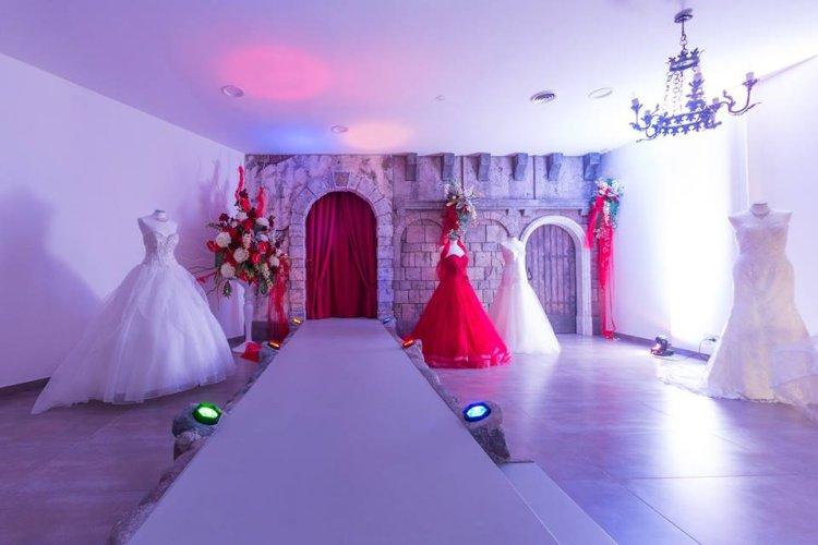 https://www.ragusanews.com/resizer/resize.php?url=https://www.ragusanews.com//immagini_articoli/07-10-2016/1475834773-1-sgsposegioielli-abiti-da-sposa-e-cerimonia.jpg&size=750x500c0