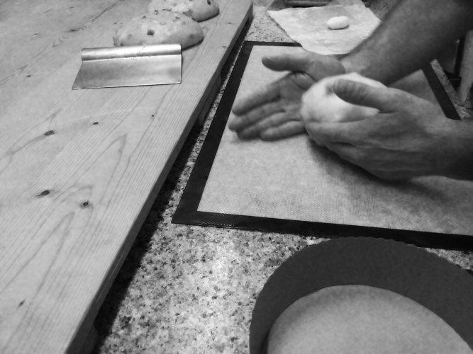 https://www.ragusanews.com/resizer/resize.php?url=https://www.ragusanews.com//immagini_articoli/07-12-2014/1417912819-2-a-natale-il-panettone-genuino-a-casa-vostra.jpg&size=667x500c0