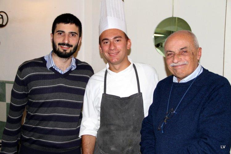https://www.ragusanews.com/resizer/resize.php?url=https://www.ragusanews.com//immagini_articoli/08-02-2016/1454964049-1-dolce-e-salato-miglior-pasticceria-di-sicilia.jpg&size=749x500c0