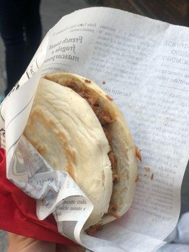 https://www.ragusanews.com/resizer/resize.php?url=https://www.ragusanews.com//immagini_articoli/08-05-2018/1525774054-1-paolo-sarpi-vero-street-food-cino-milanese-foto-video.jpg&size=375x500c0