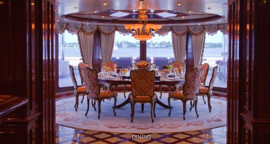 https://www.ragusanews.com/resizer/resize.php?url=https://www.ragusanews.com//immagini_articoli/08-06-2018/1528483800-2-yacht-lasciato-siracusa-marta.jpg&size=932x500c0
