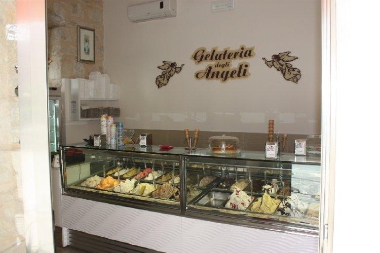 https://www.ragusanews.com/resizer/resize.php?url=https://www.ragusanews.com//immagini_articoli/09-06-2010/1396865172-gelateria-degli-angeli-il-gelato-piu-buono.jpg&size=750x500c0