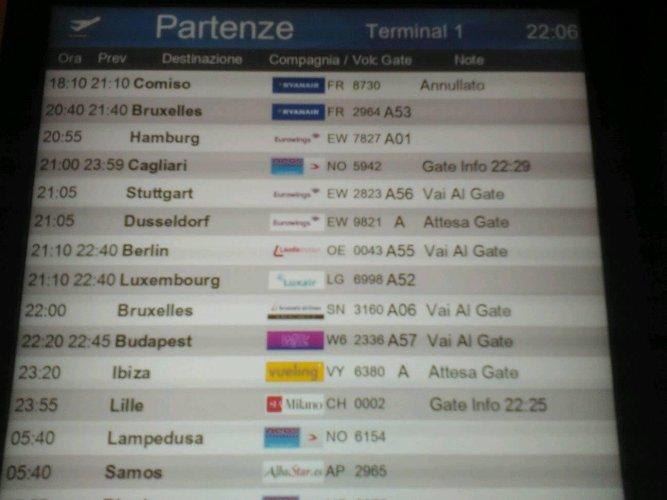 https://www.ragusanews.com/resizer/resize.php?url=https://www.ragusanews.com//immagini_articoli/09-06-2018/1528500969-1-malpensa-cancellato-volo-1810-comiso-passeggeri-bloccati.jpg&size=667x500c0