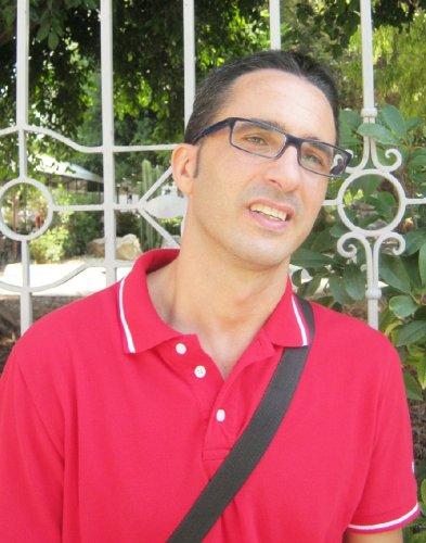 https://www.ragusanews.com/resizer/resize.php?url=https://www.ragusanews.com//immagini_articoli/09-09-2012/1396121621-bambina-disabile-di-pozzallo-passi-avanti-per-l-insegnante-di-sostegno.jpg&size=393x500c0