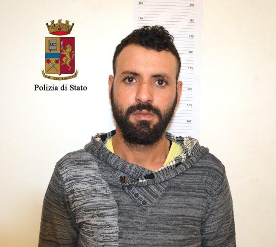 https://www.ragusanews.com/resizer/resize.php?url=https://www.ragusanews.com//immagini_articoli/10-02-2017/1486718150-1-droga-arresti-ragusa-ispica.jpg&size=559x500c0