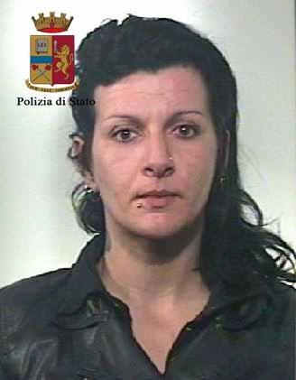 https://www.ragusanews.com/resizer/resize.php?url=https://www.ragusanews.com//immagini_articoli/10-05-2016/1462904184-0-spacciavano-eroina-a-modica-e-pozzallo-arrestati.jpg&size=390x500c0