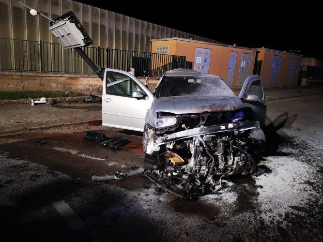 https://www.ragusanews.com/resizer/resize.php?url=https://www.ragusanews.com//immagini_articoli/10-06-2019/1560166544-1-ecco-le-foto-incidente-in-cui-e-morta-silvana-livia.jpg&size=667x500c0