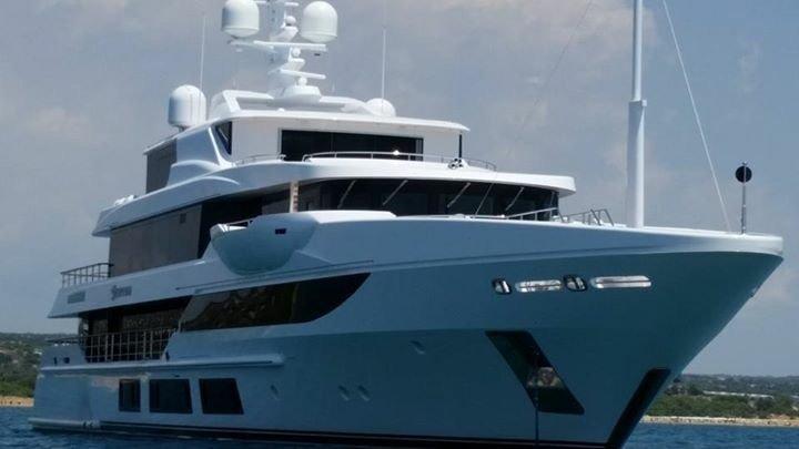 https://www.ragusanews.com/resizer/resize.php?url=https://www.ragusanews.com//immagini_articoli/10-08-2015/1439195098-4-mega-yacht-a-sampieri.jpg&size=889x500c0