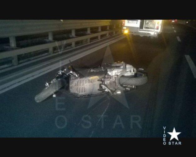https://www.ragusanews.com/resizer/resize.php?url=https://www.ragusanews.com//immagini_articoli/10-09-2018/1536614134-1-catania-incidente-moto-muore-25enne-paterno.jpg&size=625x500c0
