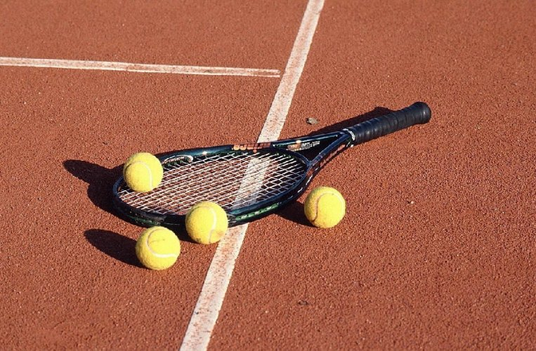 https://www.ragusanews.com/resizer/resize.php?url=https://www.ragusanews.com//immagini_articoli/10-12-2011/1396122901-tennis-a-scicli-il-torneo-di-natale.jpg&size=763x500c0
