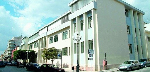 https://www.ragusanews.com/resizer/resize.php?url=https://www.ragusanews.com//immagini_articoli/11-02-2012/1396122661-scuola-pozzallo-risparmiata-dagli-accorpamenti.jpg&size=1036x500c0