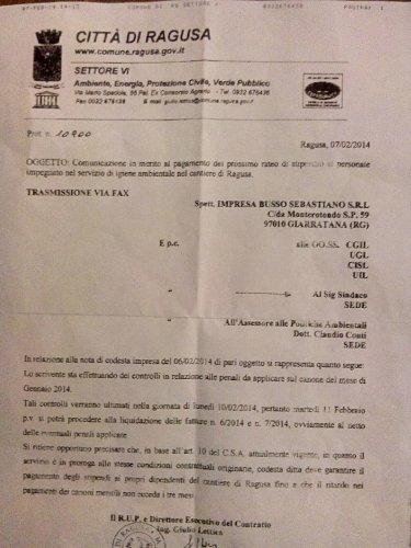 https://www.ragusanews.com/resizer/resize.php?url=https://www.ragusanews.com//immagini_articoli/11-02-2014/1396117990-la-protesta-dei-netturbini-a-ragusa-e-il-fax-mai-arrivato.jpg&size=375x500c0